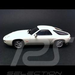 Porsche 928 blanche 1/43 Autoart 57812