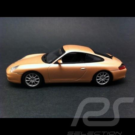Porsche 996 Carrera 4 Coupé 2001 argent rosé 1/43 Minichamps 400061025