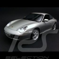 Porsche 996 Carrera 4S grau 1/18 Maisto 31628