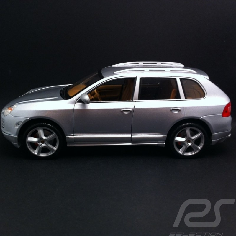 Porsche Cayenne Turbo Exclusive gris 1/18 Maisto 31113
