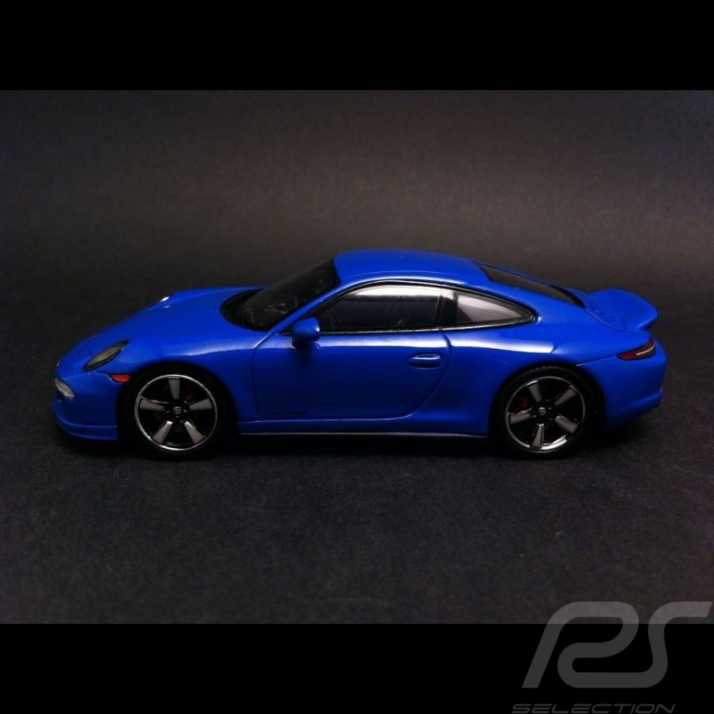 Porsche 991 GTS Club Coupé blue 1/43 Spark WAX02020001
