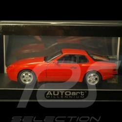 Porsche 944 Turbo rot  1/18 Autoart 77957