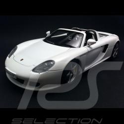 Porsche Carrera GT weiß 1/18 Autoart 78045