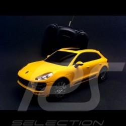 Porsche Macan Turbo jaune radiocommandée 27MHz 1/24