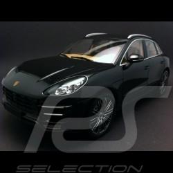 Porsche Macan Turbo 2013 schwarz 1/18 Minichamps 110062502