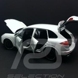 Porsche Cayenne Turbo S III 2016 blanc 1/18 Minichamps 113064001