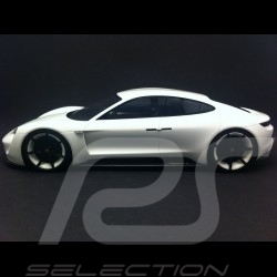 Porsche Mission E Concept 2015 white pearl with showcase 1/18 Spark WAP0218000G