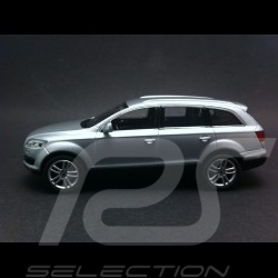 Audi Q7 silver grey 1/43 Schuco 5010507613