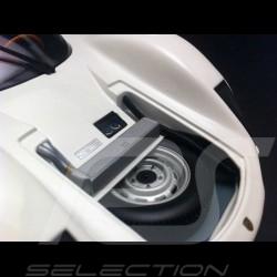 Porsche 906 Carrera 6  blanche