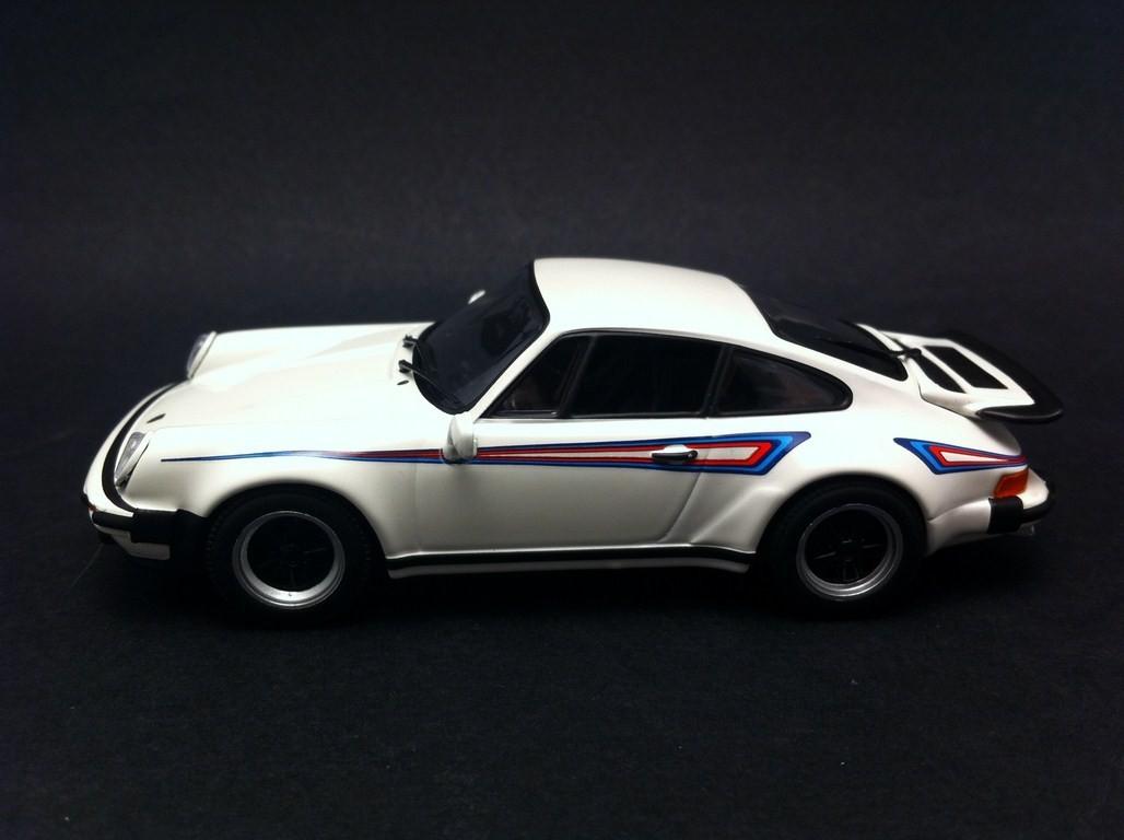 Porsche 911 Turbo 3 0 1978 White Martini 1 43 Minichamps Ca04316033 Selection Rs