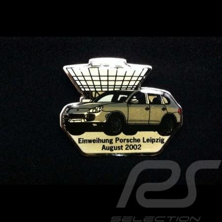 Porsche badge Opening...