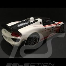 Porsche 918 Weissach Salzburg weiß / roten 1/12 GT SPIRIT GT078