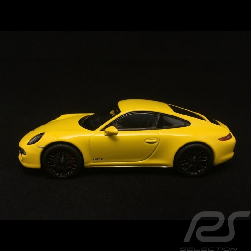 Porsche 911 type 991 Carrera GTS Coupé Racing Yellow 1/43 Schuco 450757200