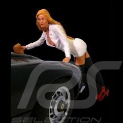 Porsche sexy car wash girl blonde 1/18 Figurine diorama AE180042