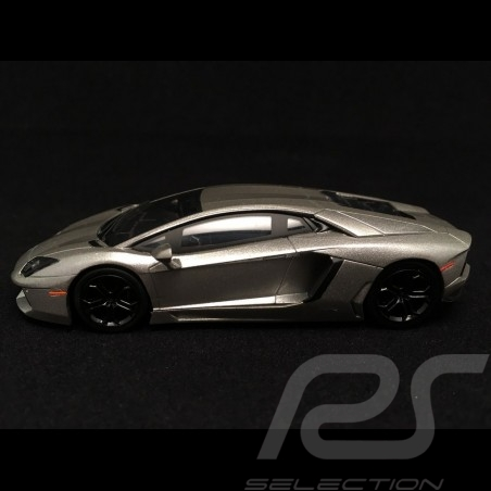 Lamborghini Aventador 2012 metal greyThe Dark Knight 1/43 Hotweels BCK06