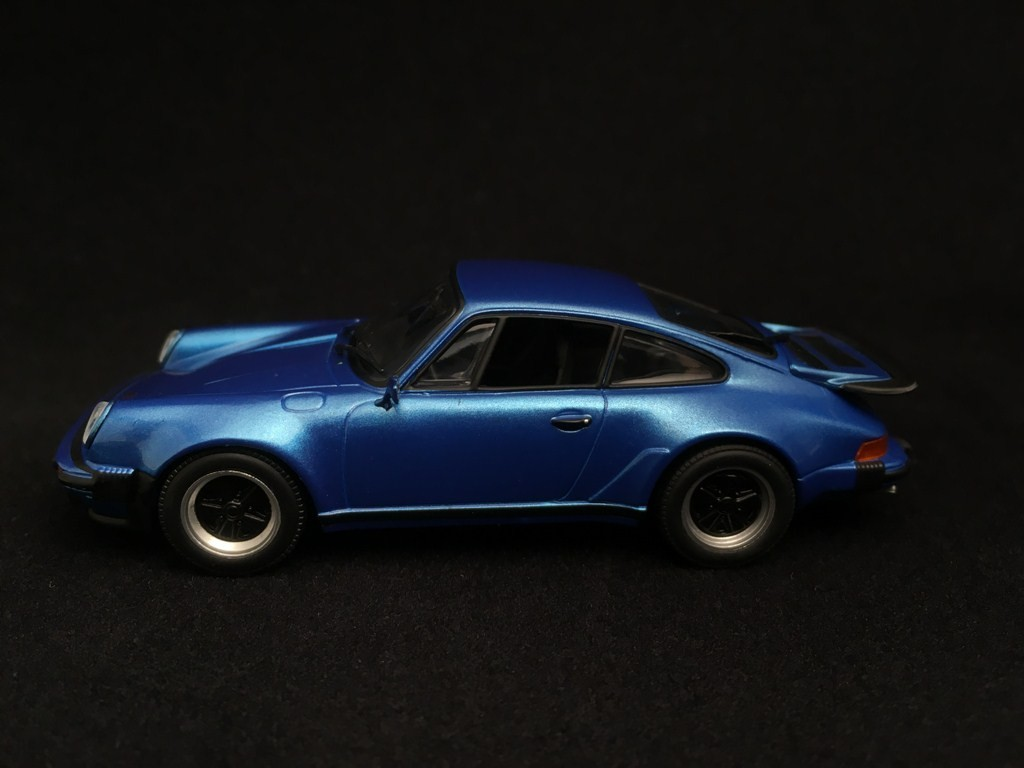 Porsche 911 Type 930 Turbo 3 0 Minerva Blue 1 43 Minichamps Ca04316030 Selection Rs