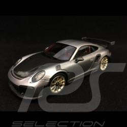Porsche 911 GT2 RS typ 991 silber / schwarz 1/43 Spark WAP0201510J