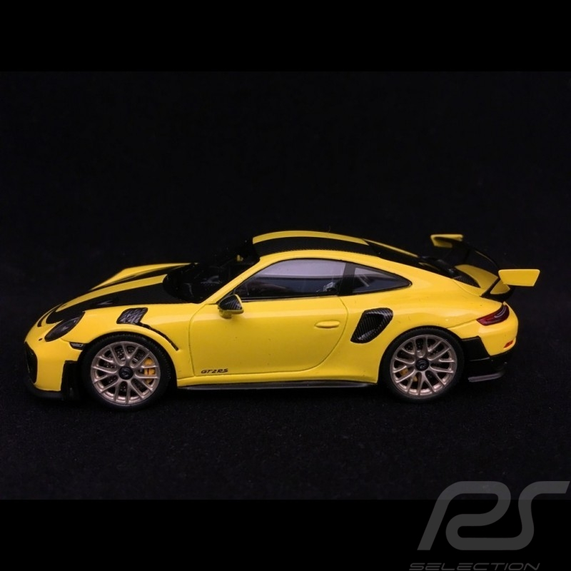 Porsche 911 GT2 RS type 991 Weissach Package yellow / black 1/43 Spark WAP0201520J