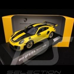 Porsche 911 GT2 RS typ 991 Weissach Package gelb / schwarz 1/43 Spark WAP0201520J