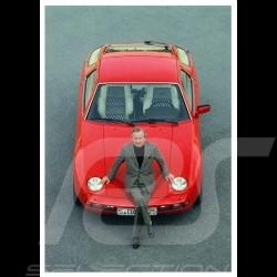 Postkarte Porsche Ferry sitzt auf einem roten 928 1978 10x15 cm