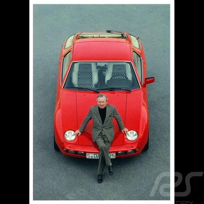 Postcard Porsche Ferry sitting on a red 928 1978 10x15 cm
