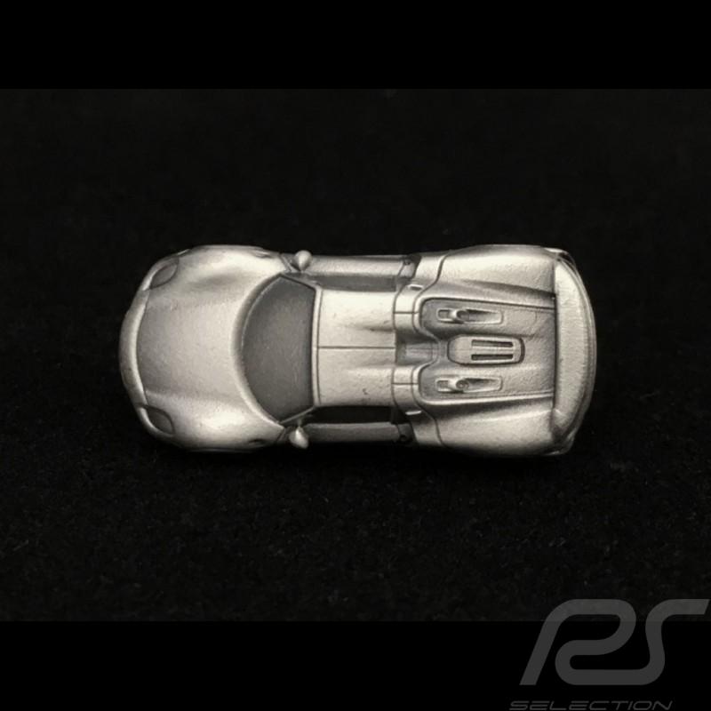 Porsche Pin 918 spyder silver colour