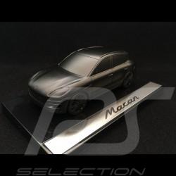 Sculpture Porsche Macan sur socle 1/43 Porsche Design WMAA1501000200 noir satiné black schwartz satin Skulptur