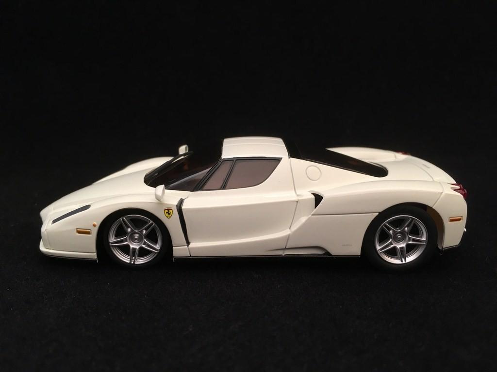 Ferrari Enzo White 1 43 Kyosho Dnx501w Selection Rs