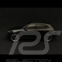 Porsche Macan GTS 2017 Phase II black 1/43 Spark S4975