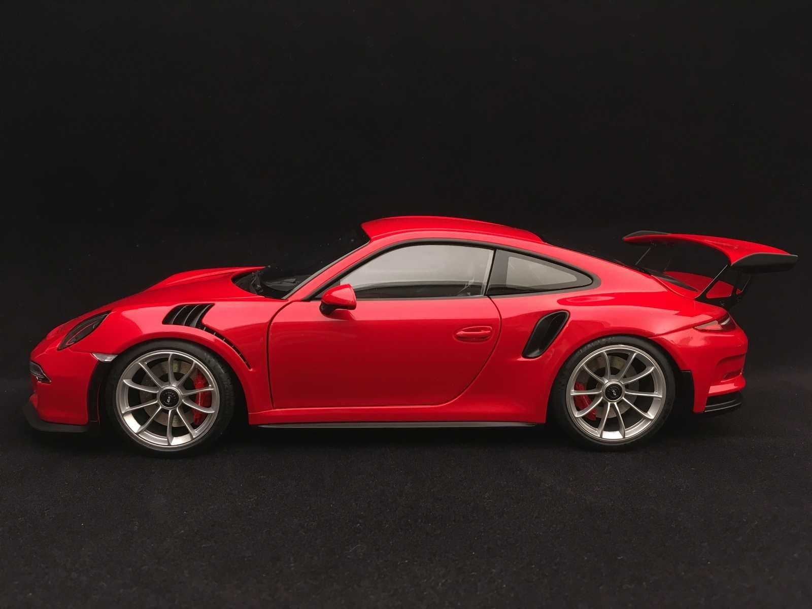 Porsche 911 Type 991 Gt3 Rs Guards Red 1 18 Autoart 78165 Selection Rs