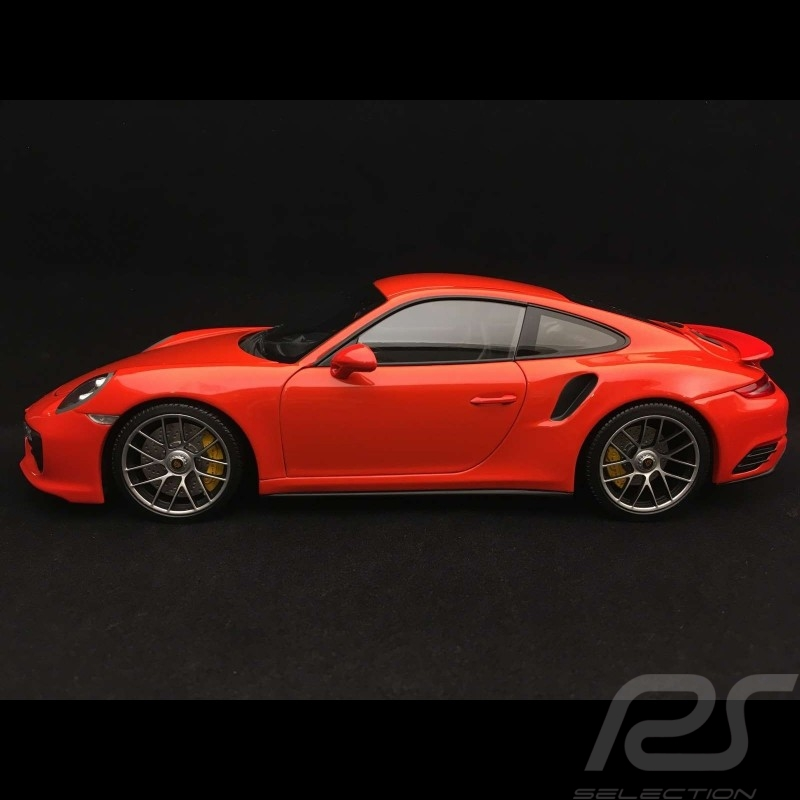Porsche 911 Turbo S type 991 mark II 2016 orange 1/18 Minichamps 110067120