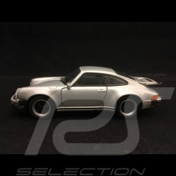 Porsche 911 Turbo 3.0 1975 pull back toy Welly silver grey