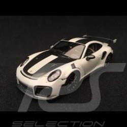 Porsche 911 GT2 RS type 991 Weissach Package gris craie / noir 1/43 Spark S7624