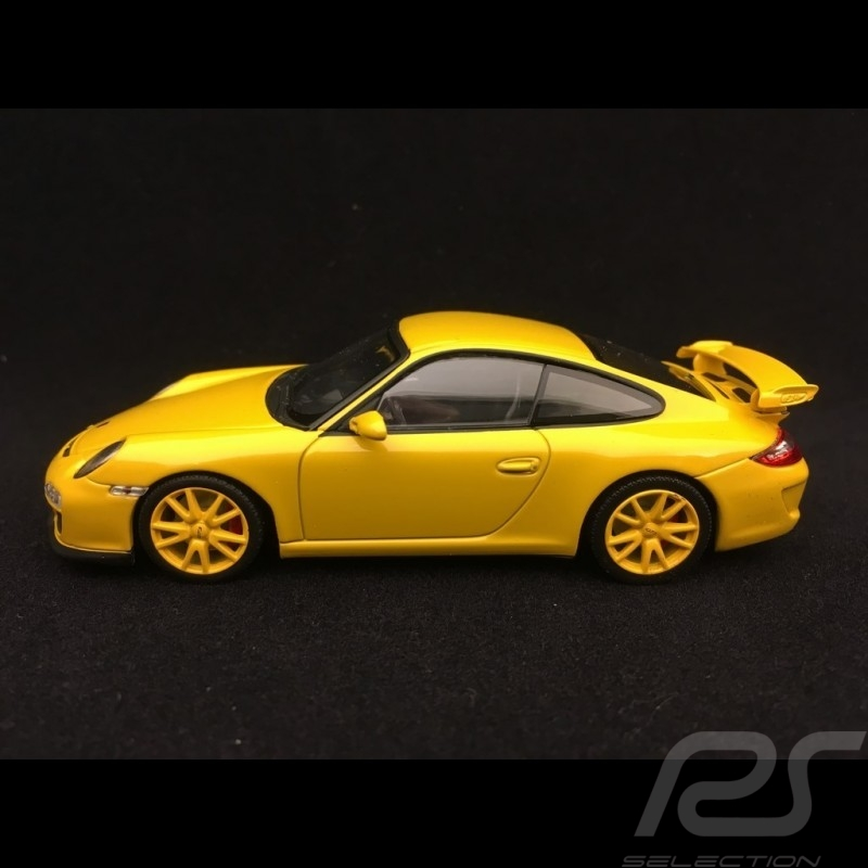 Porsche 911 type 997 GT3 3.8 mark II 2009 speed yellow 1/43 Minichamps 400068022