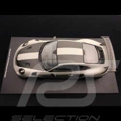 Porsche 911 GT2 RS 991 2018 Pack Weissach chalk grey 1/18 Spark 18S299