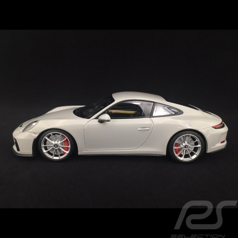 Porsche 911 type 991 GT3 Touring phase II 2018 chalk grey 1/18 Minichamps 110067424