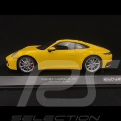 Porsche 911 type 992 Carrera 4S 2019 jaune racing speed yellow speedgelb 1/18 Minichamps 155067320