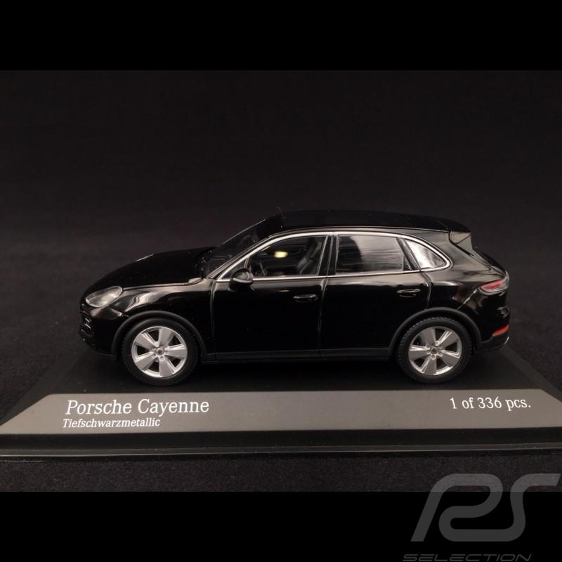 Porsche Cayenne 2017 deep black 1/43 Minichamps 410066301 deep black Tiefschwarz