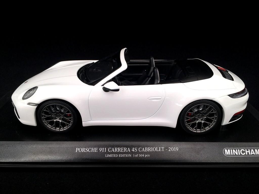 Porsche 911 Type 992 Carrera 4s Cabriolet 2019 White 1 18 Minichamps 155067330 Selection Rs