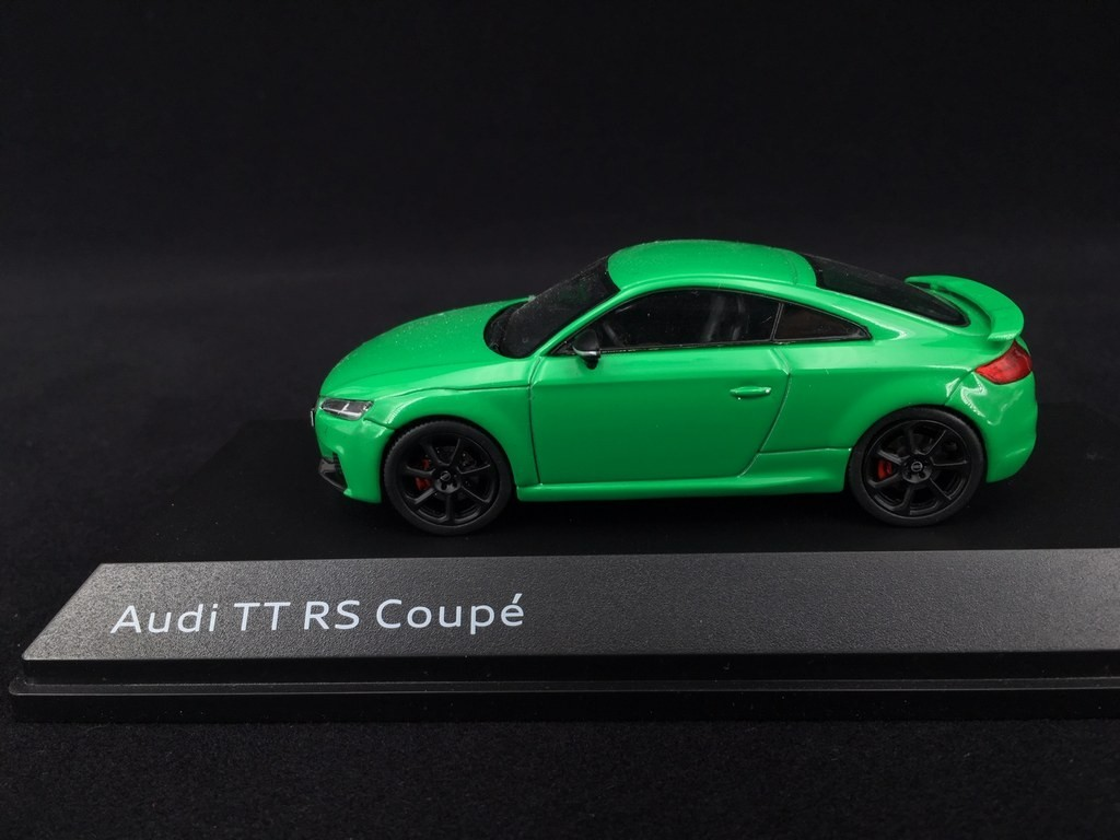 grün green i Scale PKW 1:43 Audi TT RS Coupé 2017