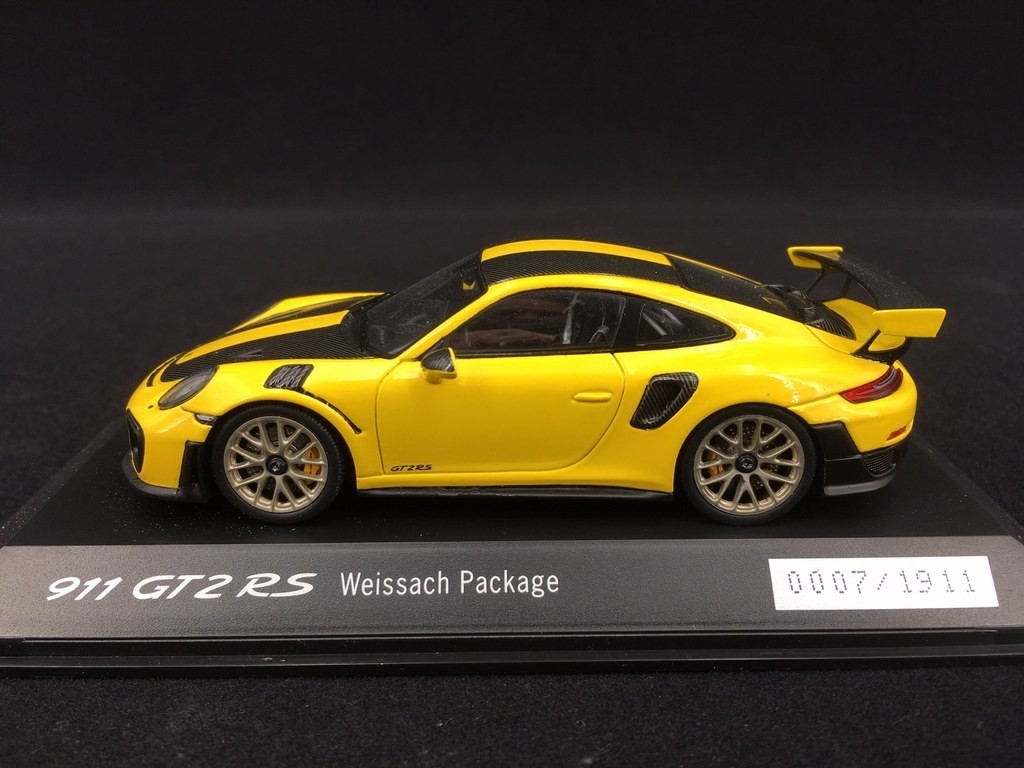 Porsche 911 Gt2 Rs Type 991 Weissach Package Yellow Black N 0007 1911 1 43 Spark Wap0201520j Selection Rs