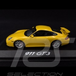 yellow Minichamps 1:43 Porsche 991 Carrera GTS