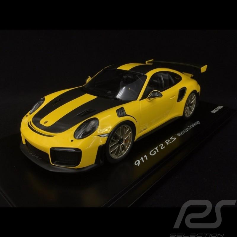 Porsche 911 GT2 RS typ 991 Weissach Package gelb / schwarz 1/18 Spark WAP0211520J