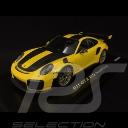 Porsche 911 GT2 RS type 991 Weissach Package yellow / black 1/18 Spark WAP0211520J