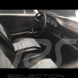 Porsche 911 2.7 Carrera RS 1973 blanche / bandes bleues exemplaire n° 77 / 200 1/18 Norev 187637