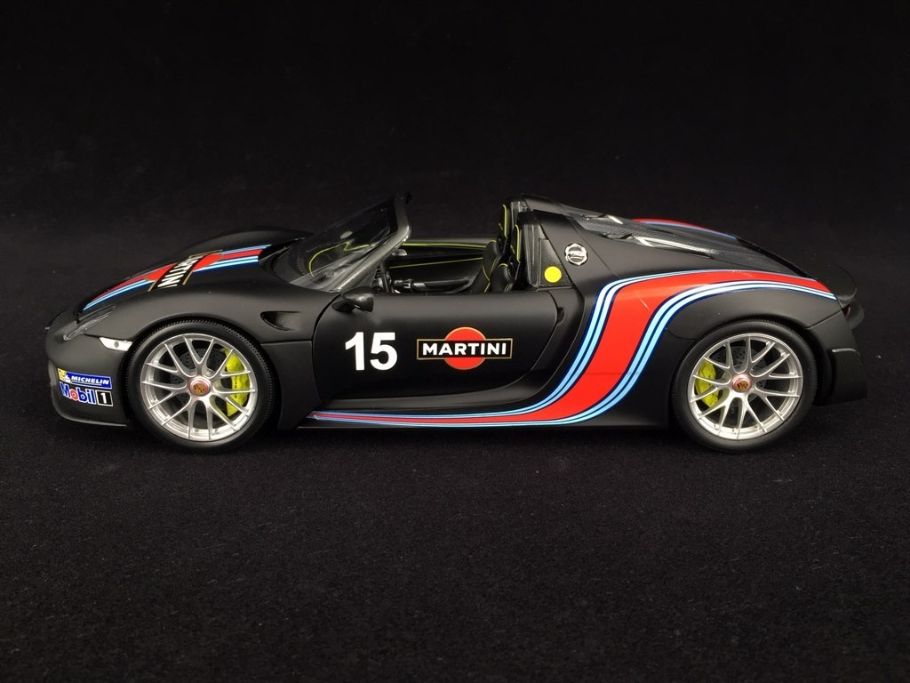 Porsche 918 Spyder 2015 N 15 Matte Black Martini Racing Weissach Package Nurburgring Record 2013 1 18 Minichamps 110062445 Selection Rs