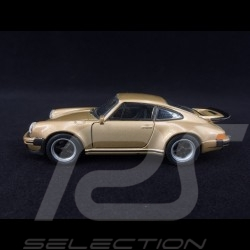 Porsche 911 Turbo 3.0 1975 gold pull back toy Welly