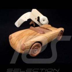 Funkgesteuert Porsche 550 Spyder aus Holz 1/18
