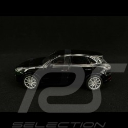 Porsche Cayenne Turbo 2018 noir black schwarz 1/24 Welly 24092BK