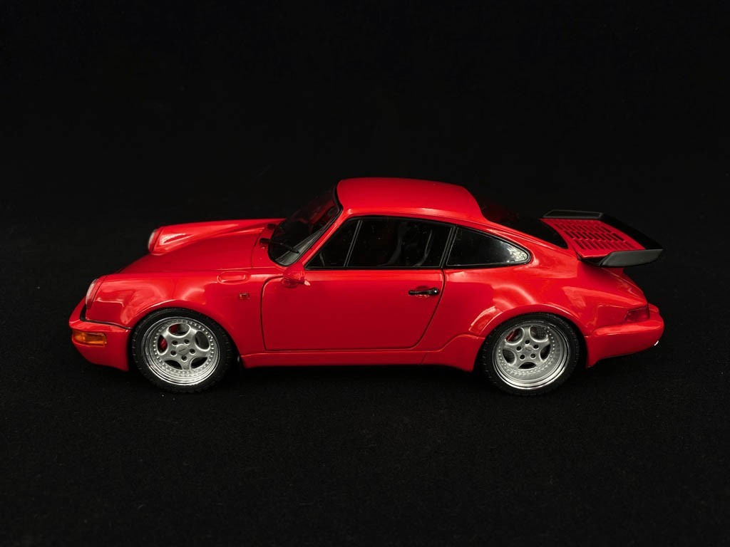 Porsche 911 Turbo 3 6 Type 964 1993 Guards Red 1 18 Solido S1803402 Selection Rs